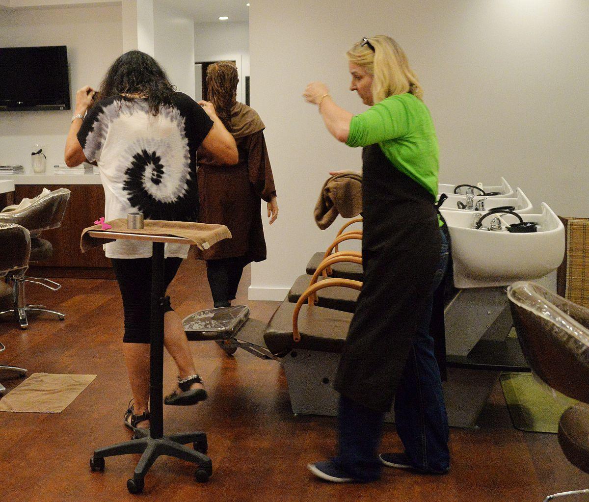 Hair Salon Los Angeles: AMY ADAMS Leaves A Hair Salon In Los Angeles 09/29/2015
