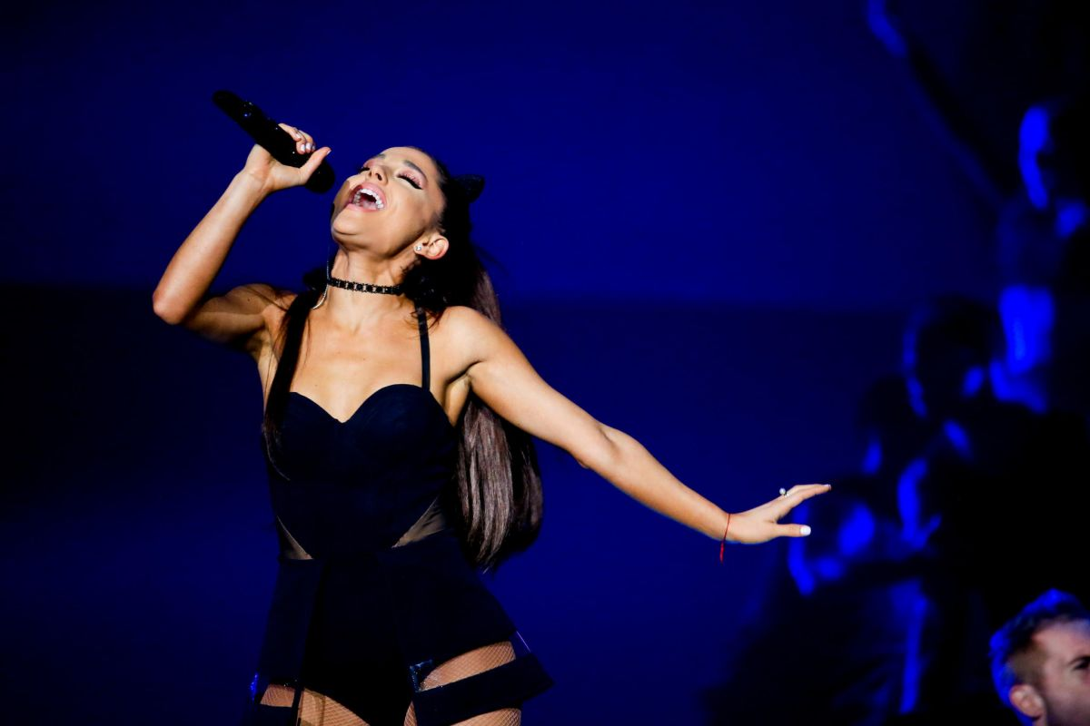ARIANA GRANDE Performs at The Honeymoon Tour in Chicago 10/02/2015