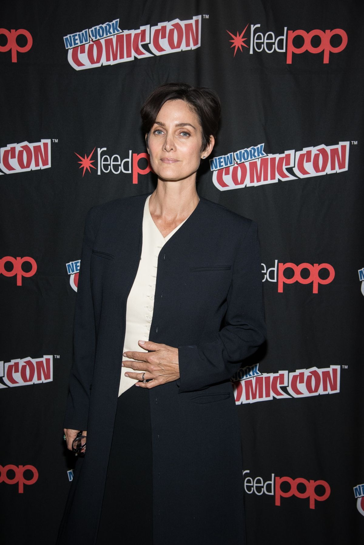 CARRIE-ANNE MOSS at 2015 New York Comic-con 10/10/2015
