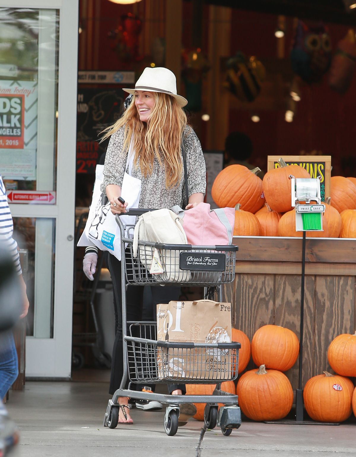 CAT DEELEY Shopping at Bristol Farms in Los Angeles 10/04/2015