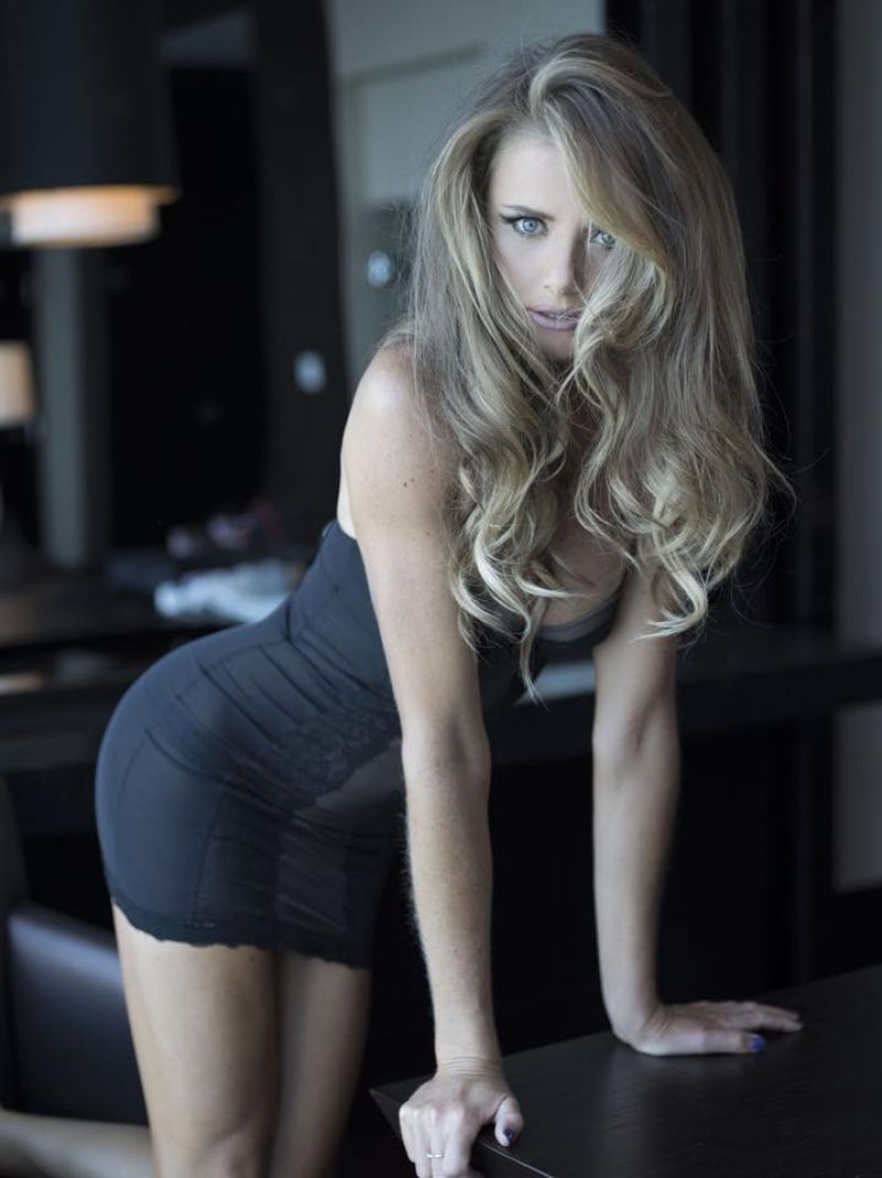 DANIELA HANTUCHOVA in tight Minidress - Facebook Pic