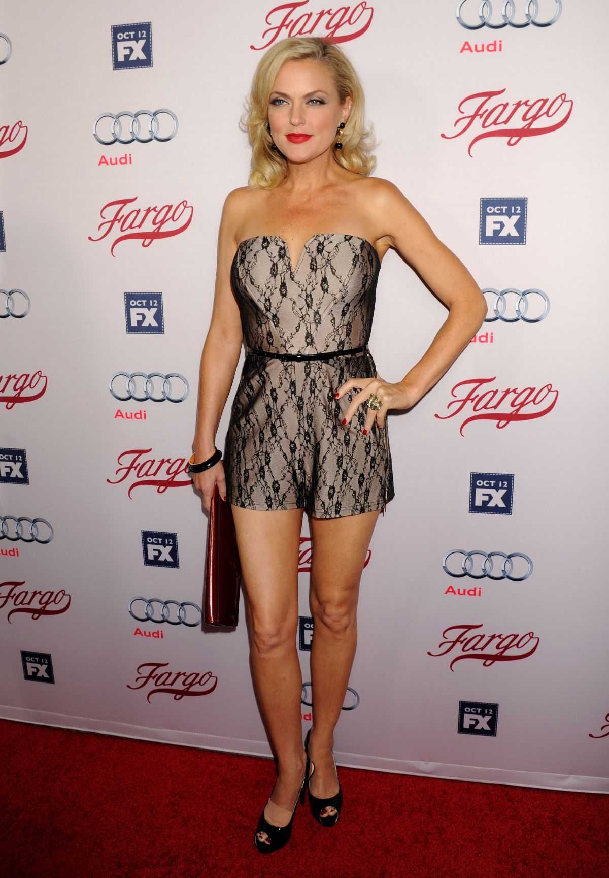 ELAINE HENDRIX at Fargo Season 2 Premiere in Hollywood 10/07/2015