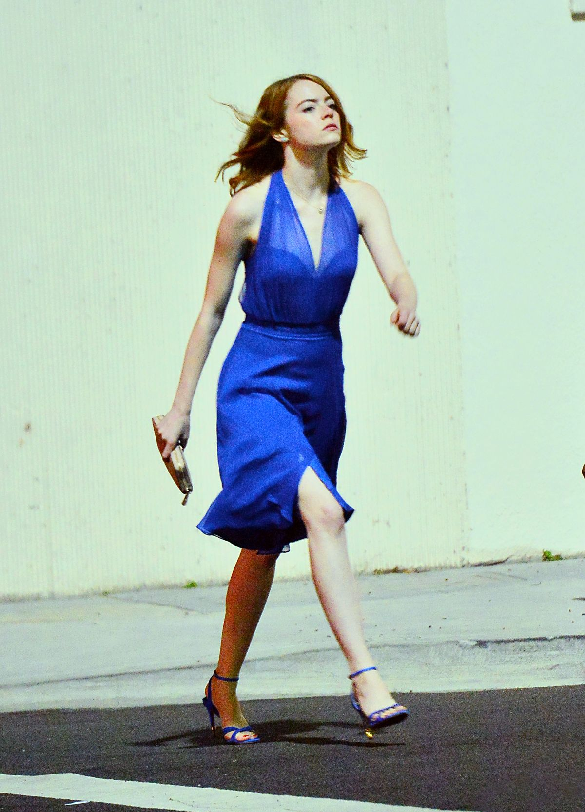 http://www.hawtcelebs.com/wp-content/uploads/2015/10/emma-stone-on-the-set-of-la-la-land-in-hollywood-10-23-2015_33.jpg
