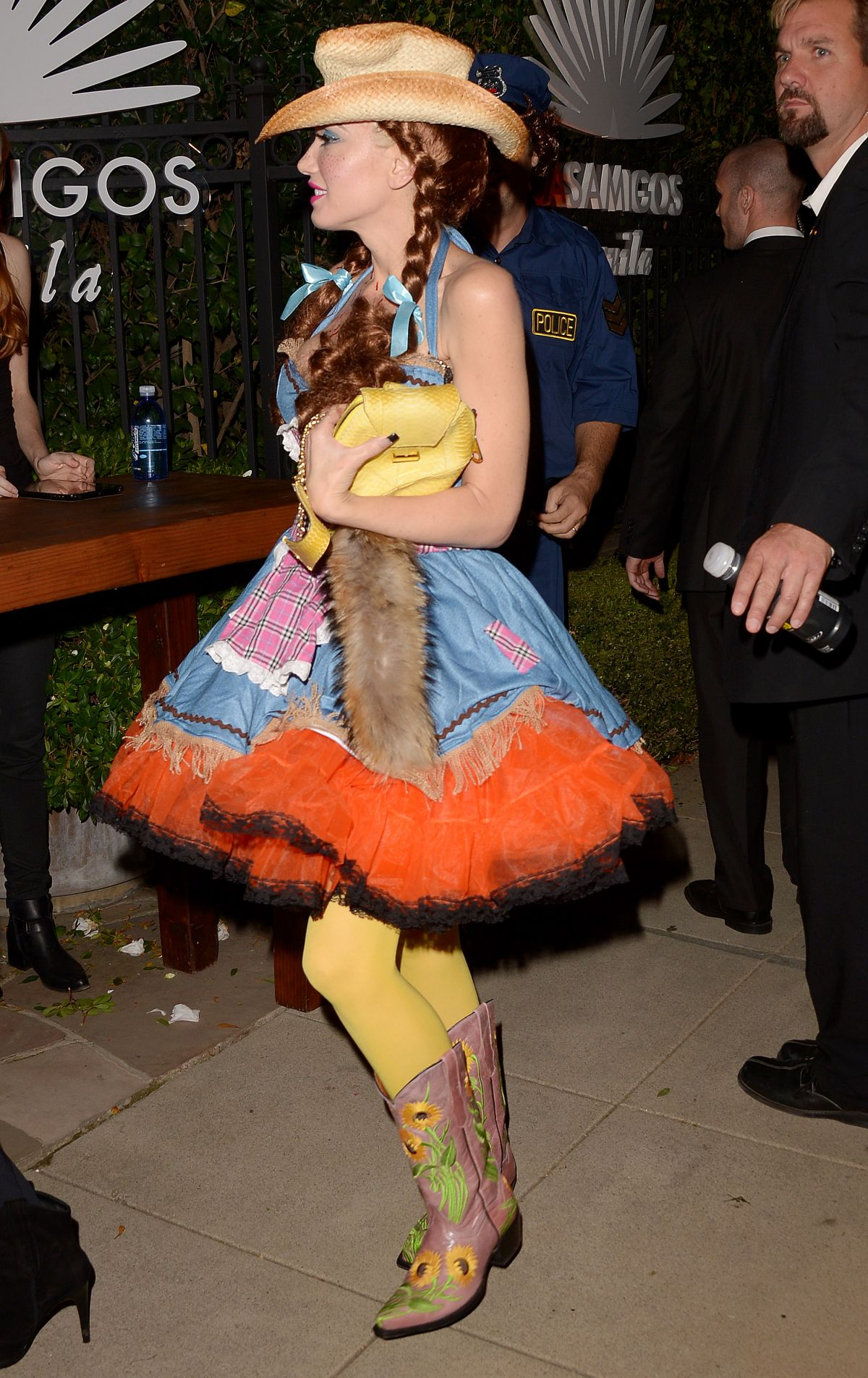 GWEN STEFANI at Casa Tequila Halloween Party in Beverly Hills 10 ...