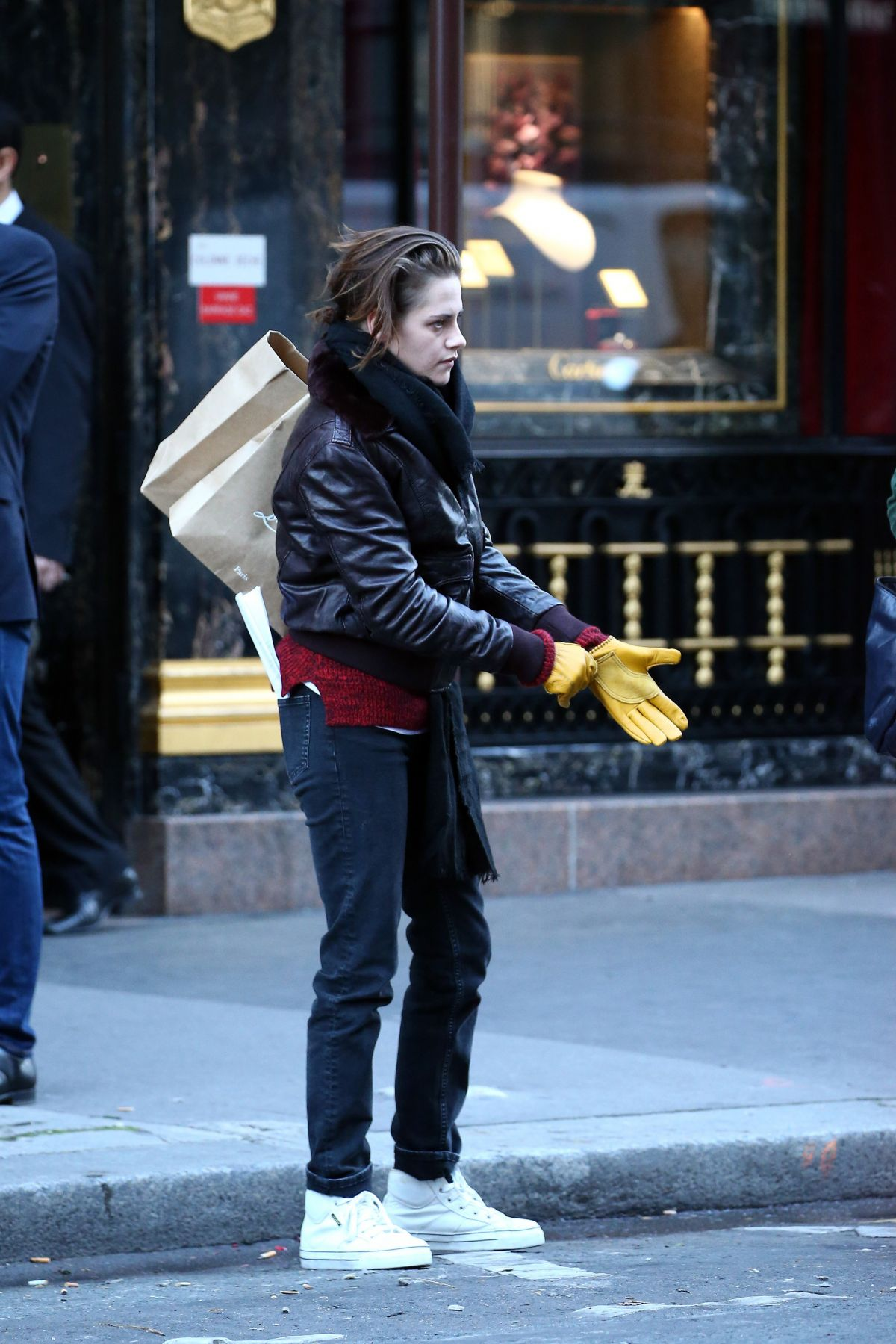 kristen stewart as maureen on scooter on the set of personal shopper in paris 10 27 2015. Black Bedroom Furniture Sets. Home Design Ideas