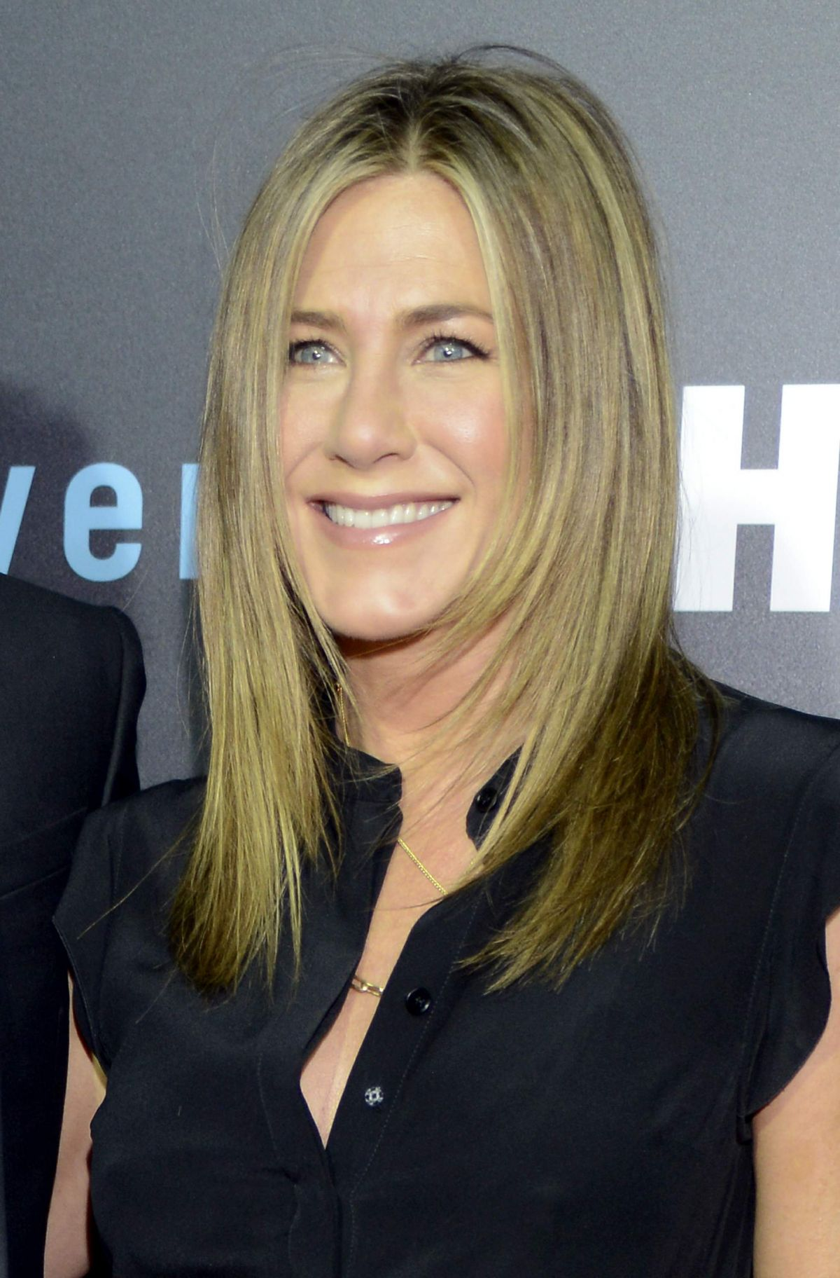 Jennifer Aniston At The Leftovers Season 2 Premiere In