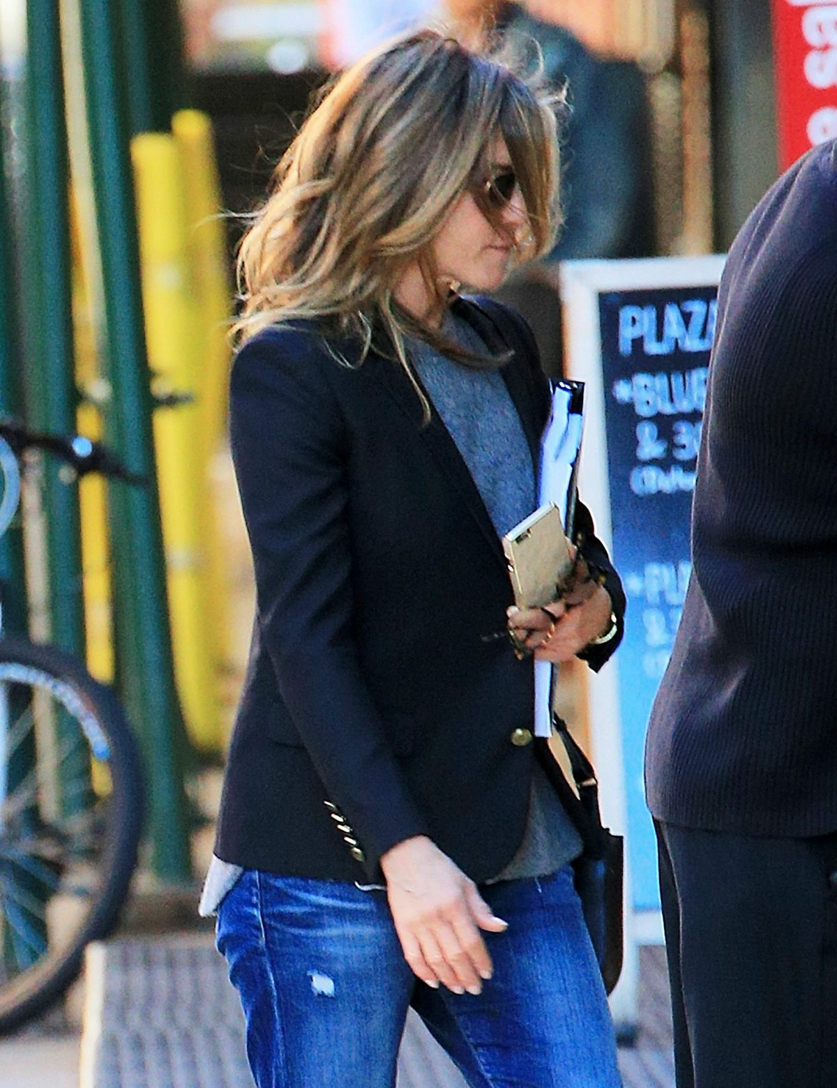 JENNIFER ANISTON Out in New York 10/11/2015