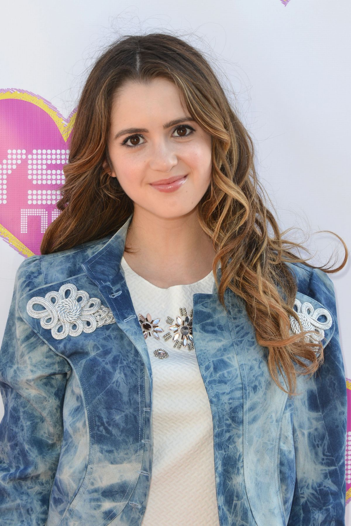 laura marano the me that you don't see lyrics