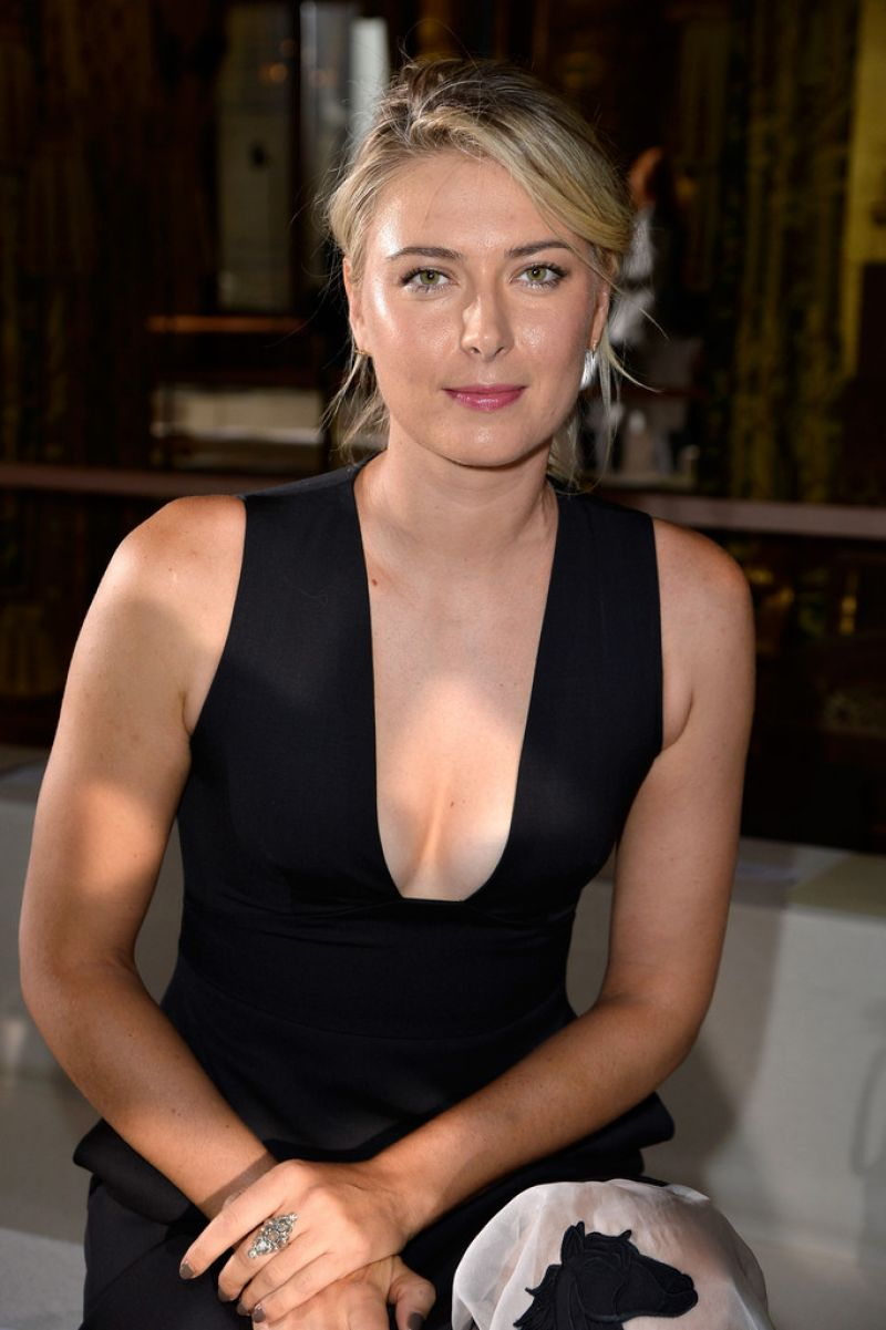 Maria Sharapova At Stella Mccartney Fashion Show In Paris