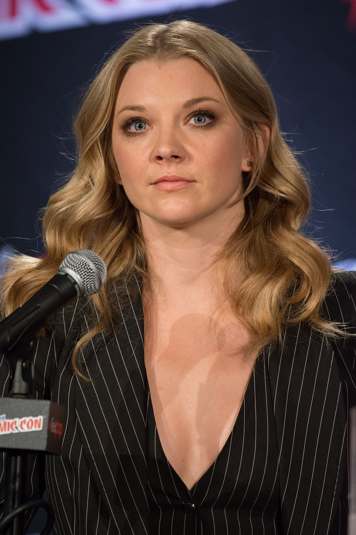 natalie dormer at of thrones panel at comic con in