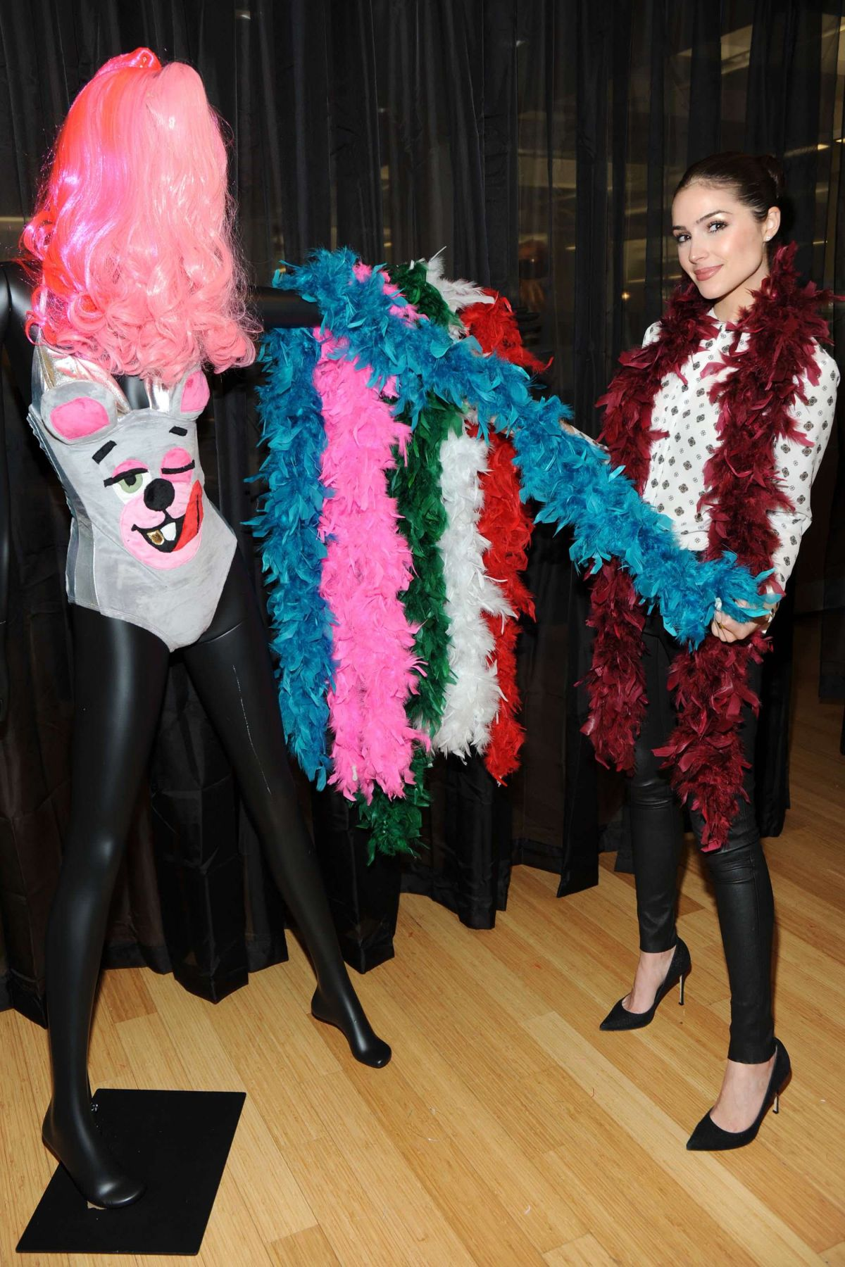 Full size 1200 × 1800  sc 1 st  HawtCelebs & olivia-culpo-shopping-for-halloween-costume-at-yandy-in-new-york-10 ...
