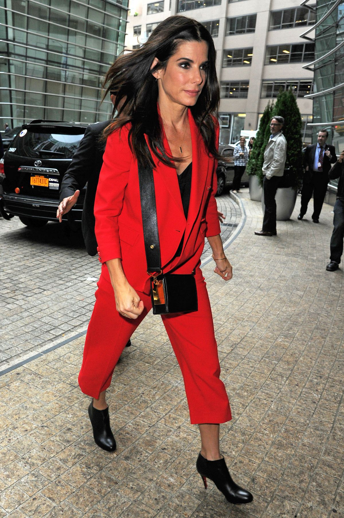 SANDRA BULLOCK Arrives at a Office in New York 10/29/2015