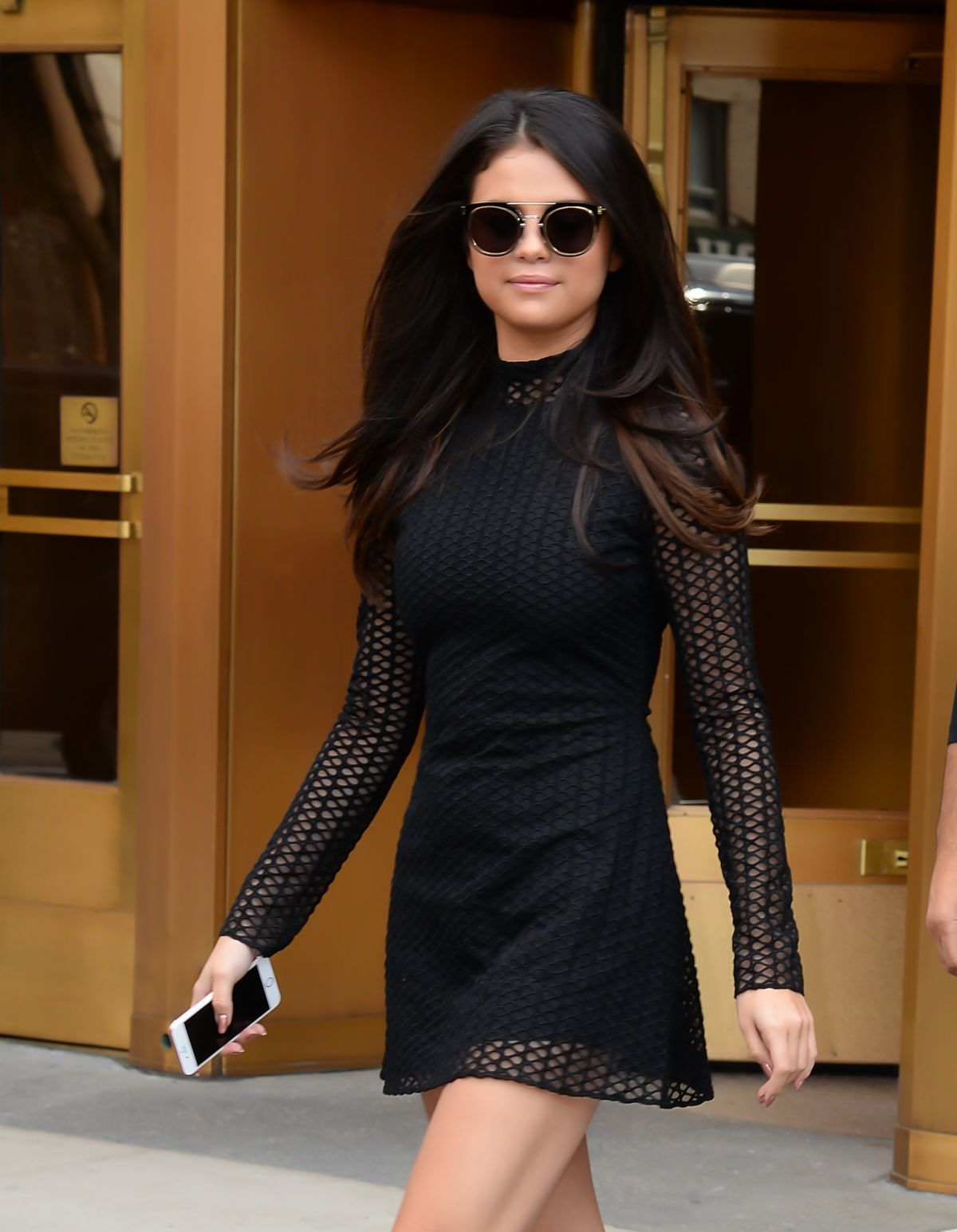 selena gomez leaves z100 studios in new york 10/13/2015 - hawtcelebs