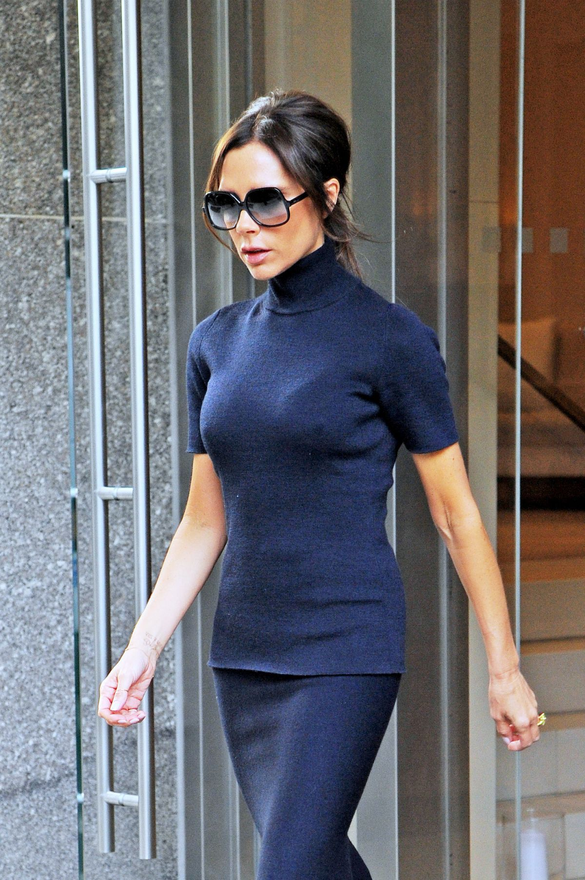 VICTORIA BECKHAM Out and About in New York 10/27/2015 ... Victoria Beckham