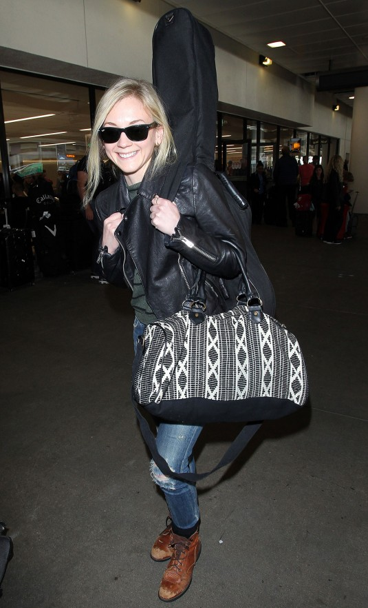 EMILY-KINNEY-at-LAX-Airport-in-Los-Angeles-3