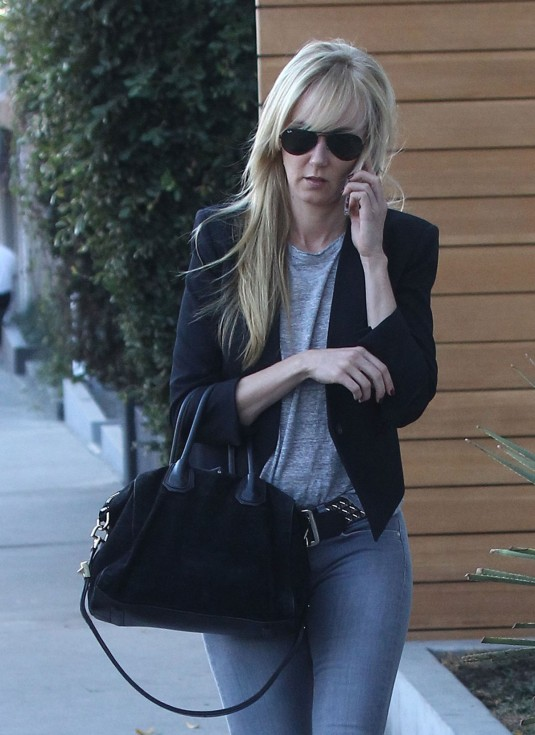 KIMBERLY-STEWART-Out-and-About-in-Los-Angeles-8