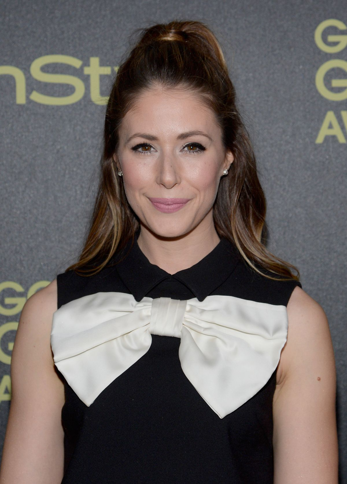 AMANDA CREW at hfpa and Instyle Celebrate 2016 Golden Globe Award Season in West Hollywood 11/17/2015