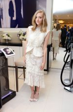 AMANDA SEYFRIED at Espace Cle De Peau Beaute at Bergdorf Goodman in New York 11/18/15