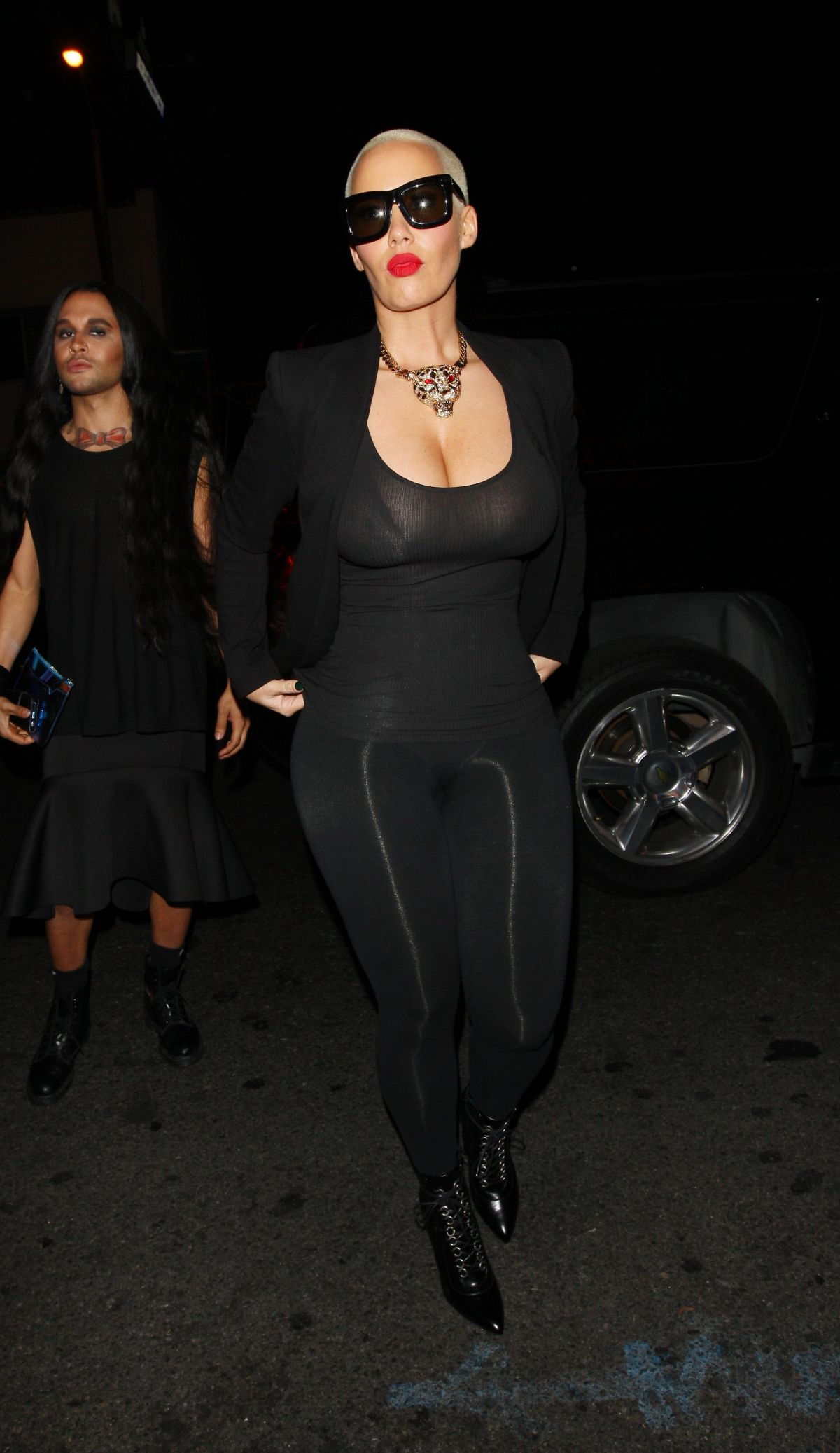 AMBER ROSE Arrives at 1 Oak Night Club in West Hollywood 11/10/2015