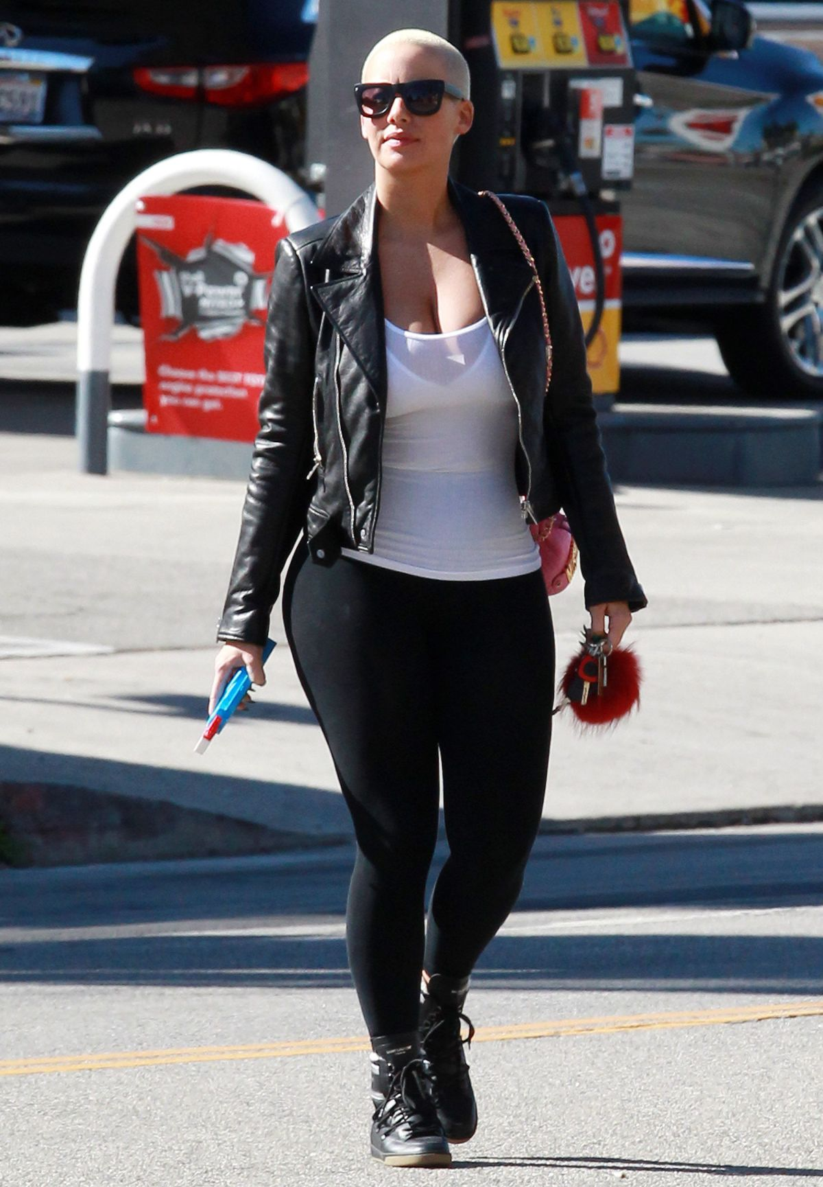 2015 Los Angeles Film Festival: AMBER ROSE Out And About In Los Angeles 11/13/2015