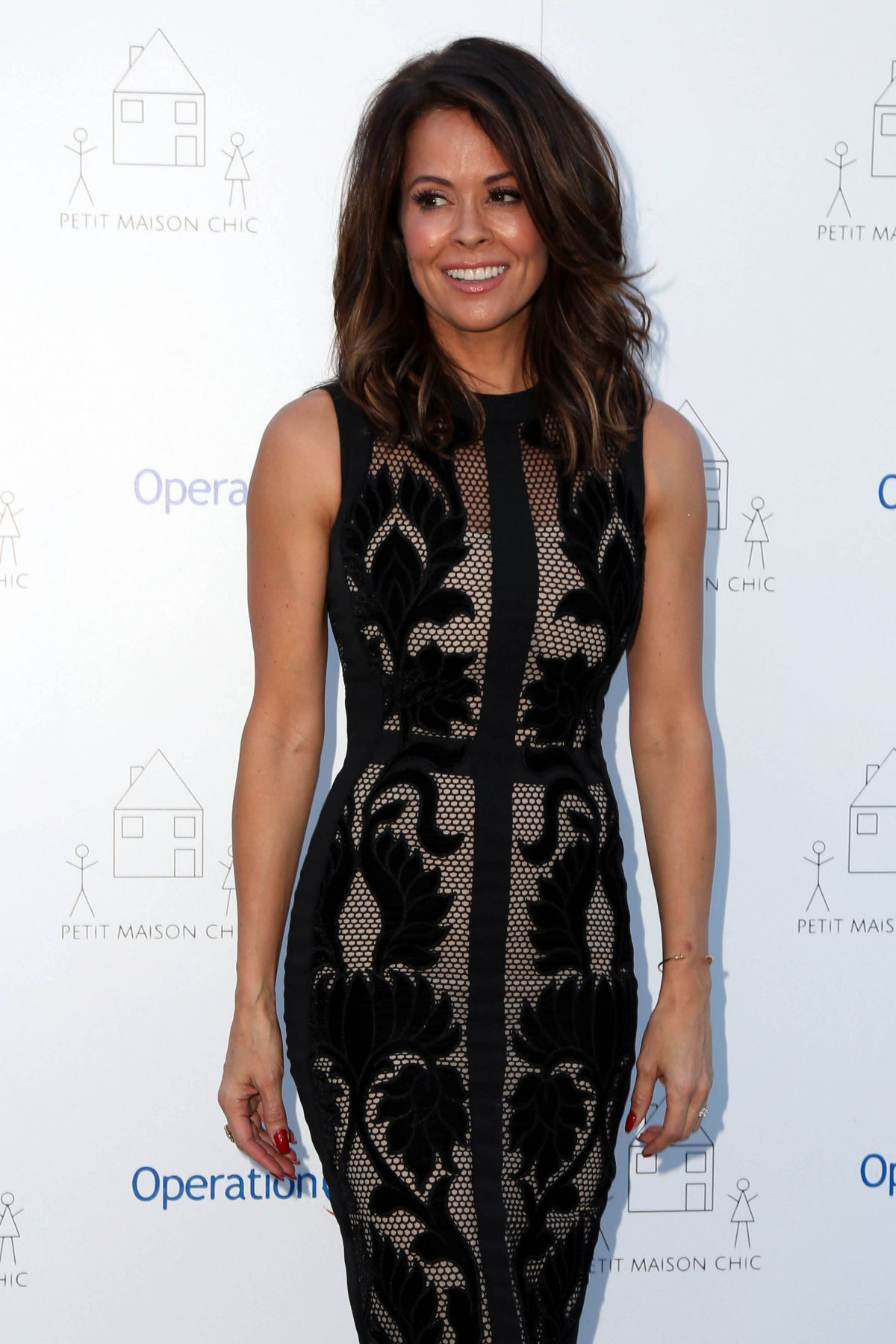 Brooke burke at petit maison chic fashion show in beverly for Fashion maison