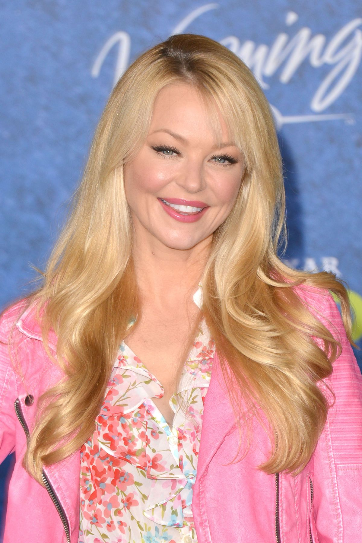 Charlotte Ross At The Good Dinosaur Premiere In Hollywood