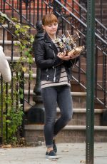 CHRISTINA RICCI Doing Some Moving in Brooklyn 11/19/2015