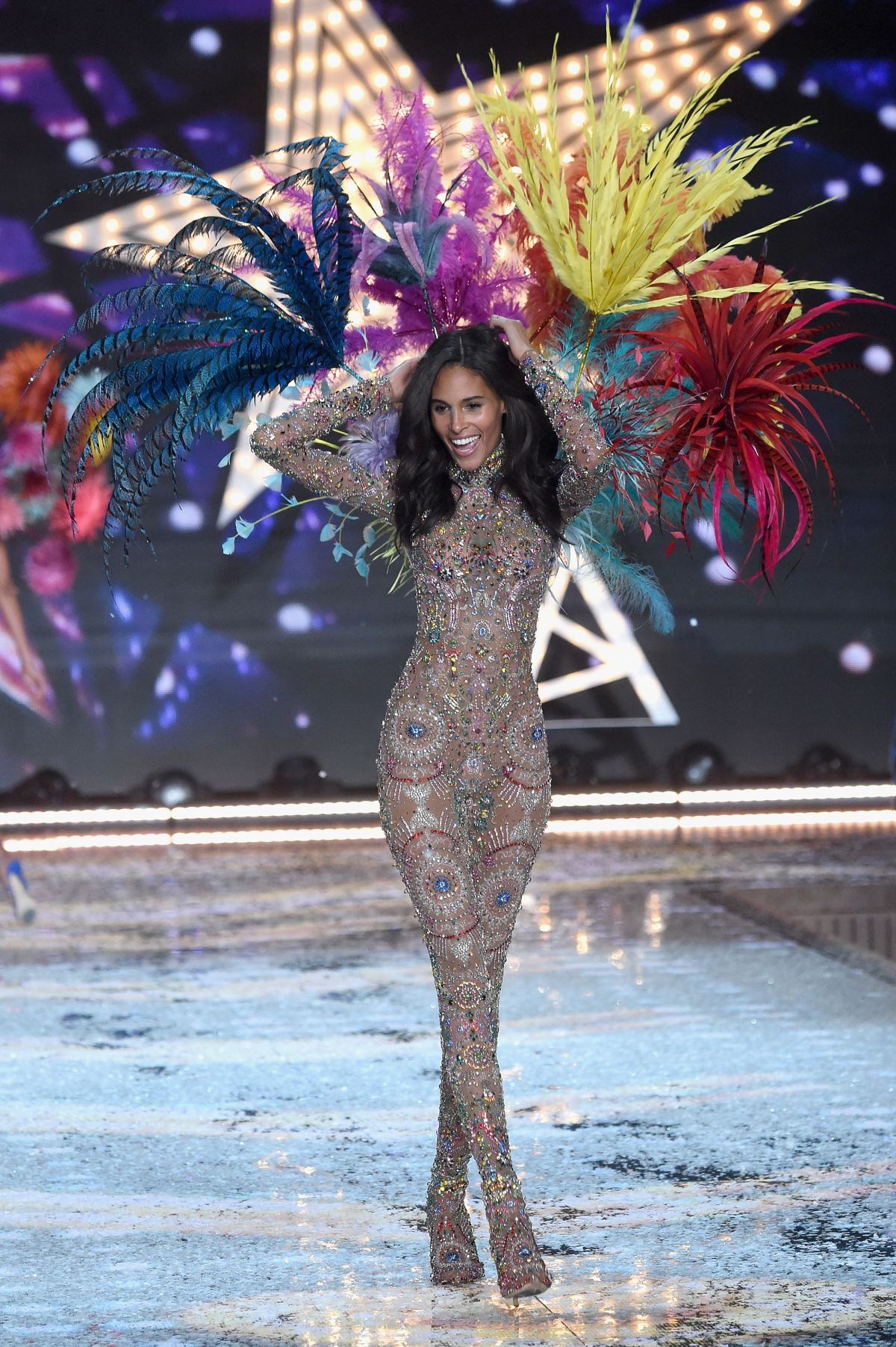 2015 S Most Popular Halloween Costumes By State Map: CINDY BRUNA At Victoria's Secret 2015 Fashion Show In New