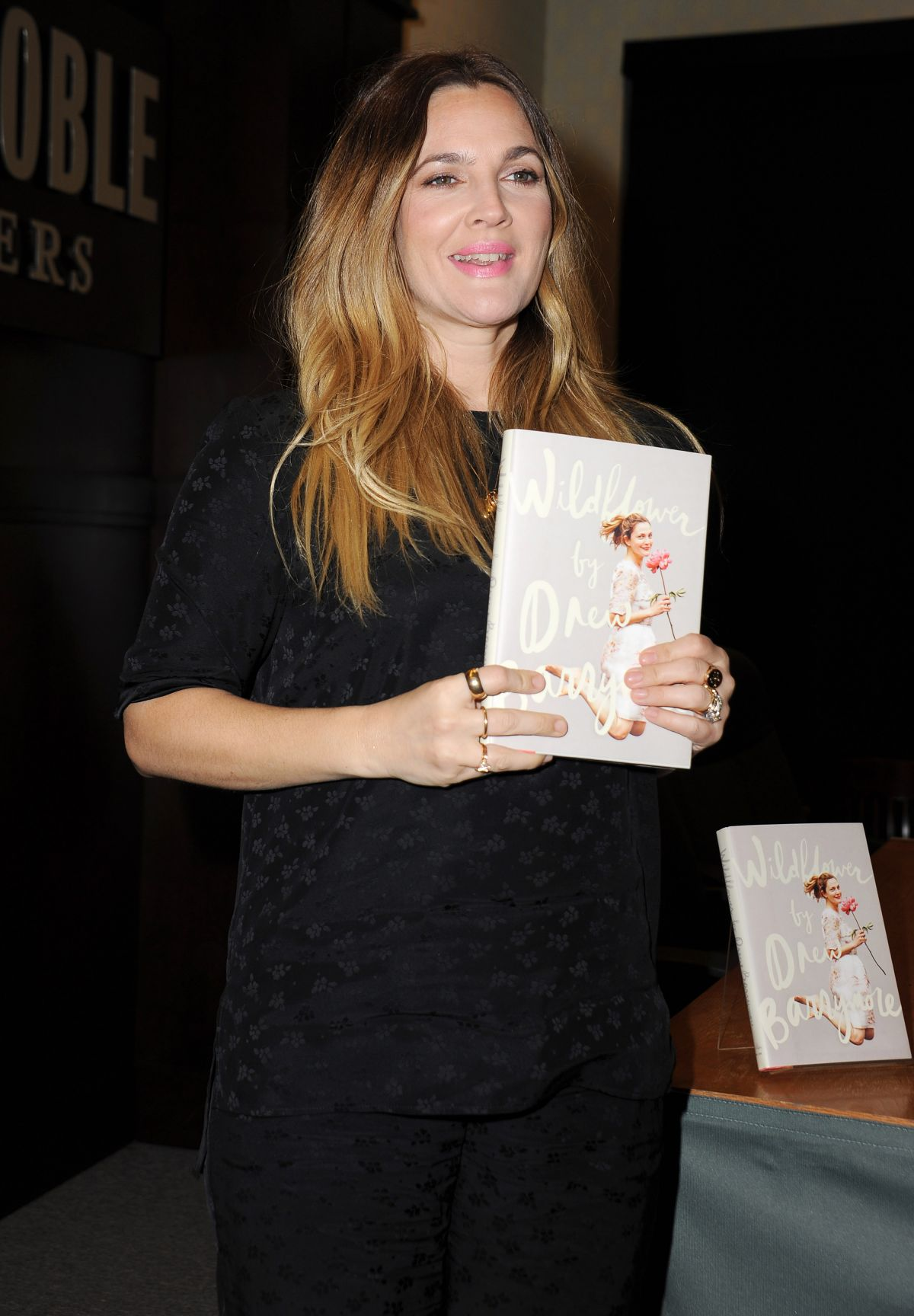 DREW BARRYMORE at Wildflower Book Signing at Barnes & Noble