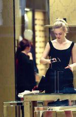 ELLE FANNINF Shopping in New York 11/06/2015