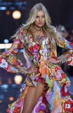 ELSA HOSK at Victoria's Secret 2015 Fashion Show in New York 11/10/2015