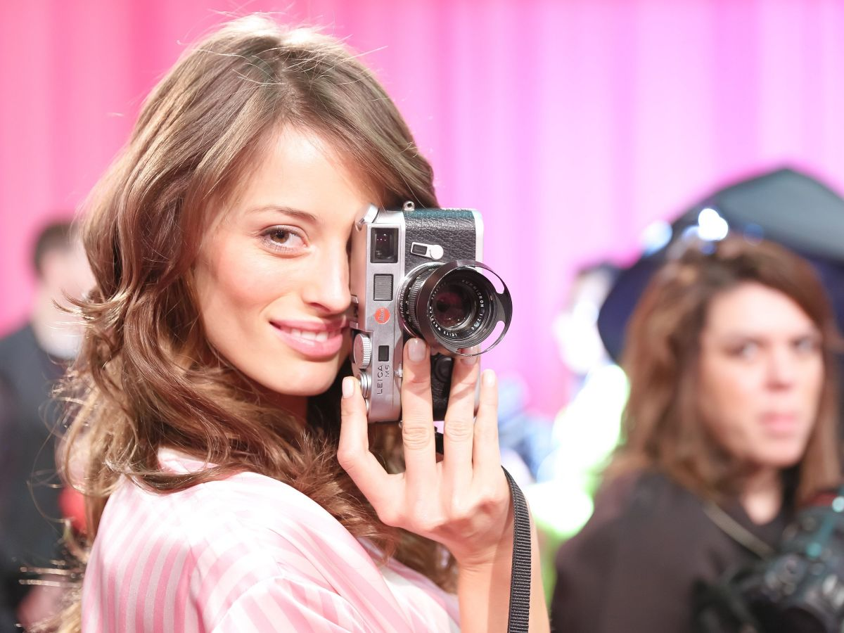 FLAVIA LUCINI at Victoria's Secret 2015 Fashion Show Backstage 11/10/2015