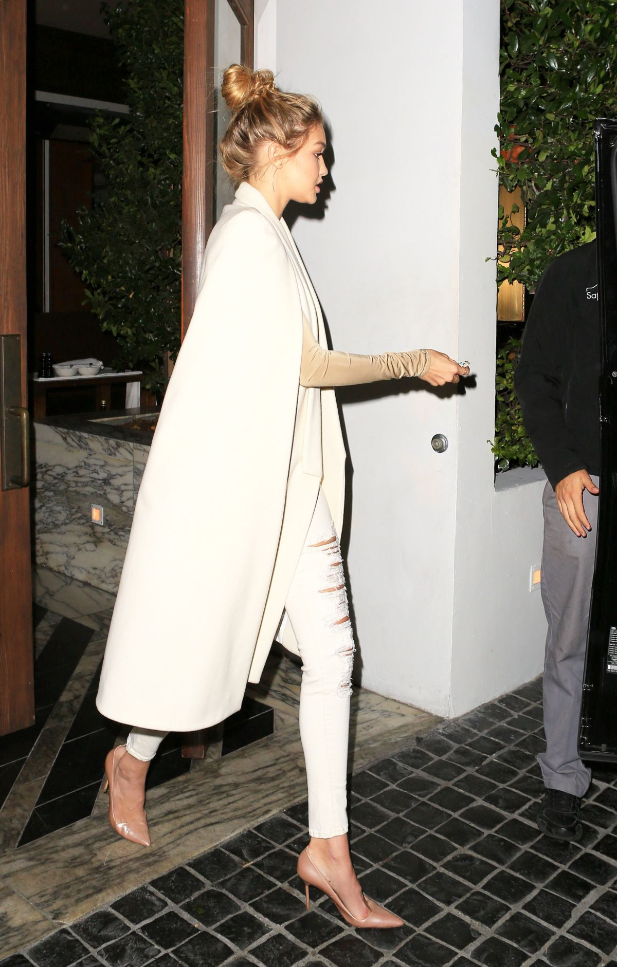 893ace764f GIGI HADID Leaves Cecconi s Restaurant in West Hollywood 11 19 2015