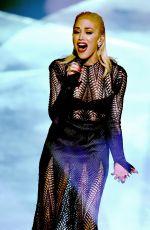 GWEN STEFANI Performs at American Music Awards 2015 11/22/2015