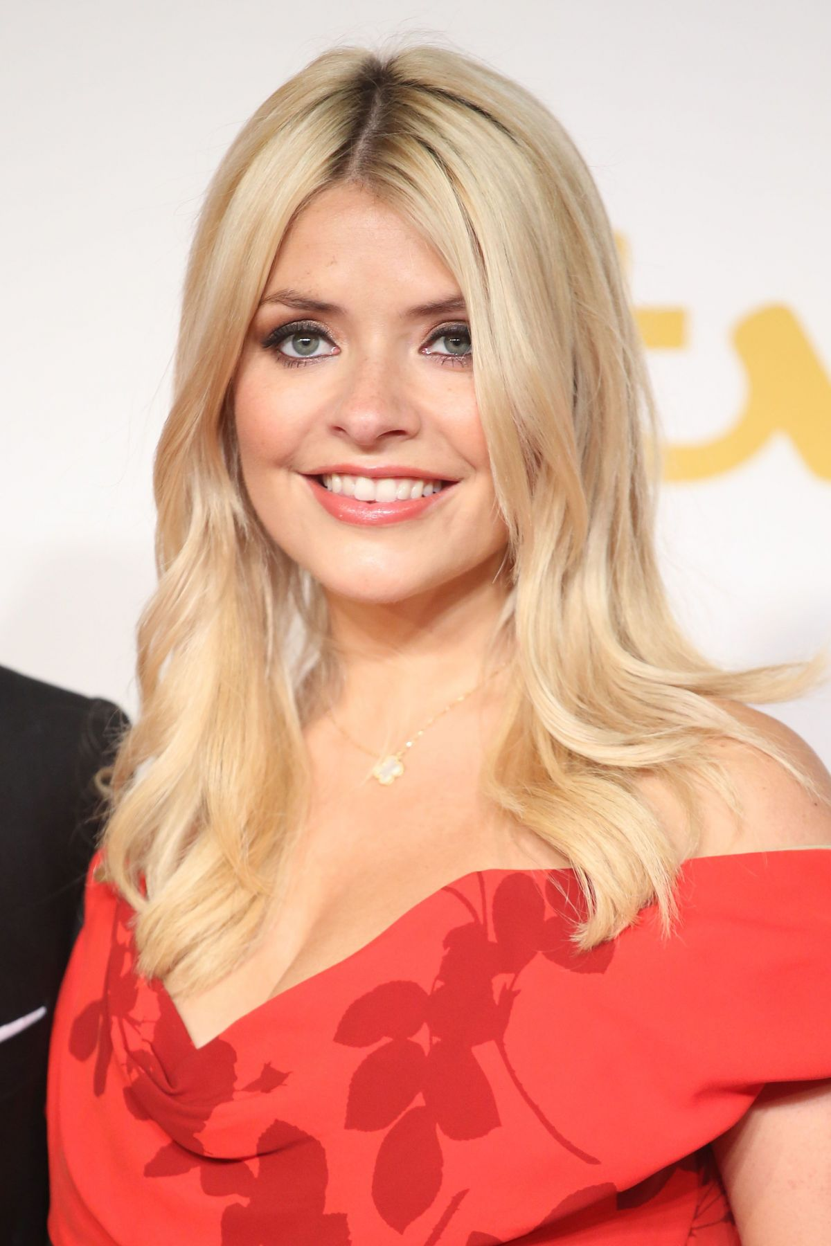 holly willoughby - photo #22