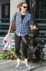 JENNIFER GARNER Out and About in Los Angeles 11/06/2015