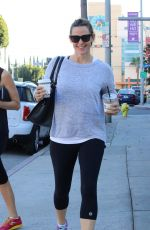 JENNIFER GARNER Out and About in Los Angeles 11/21/2015