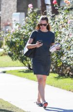 JENNIFER GARNER Out and About in Los Angeles 11/29/2015