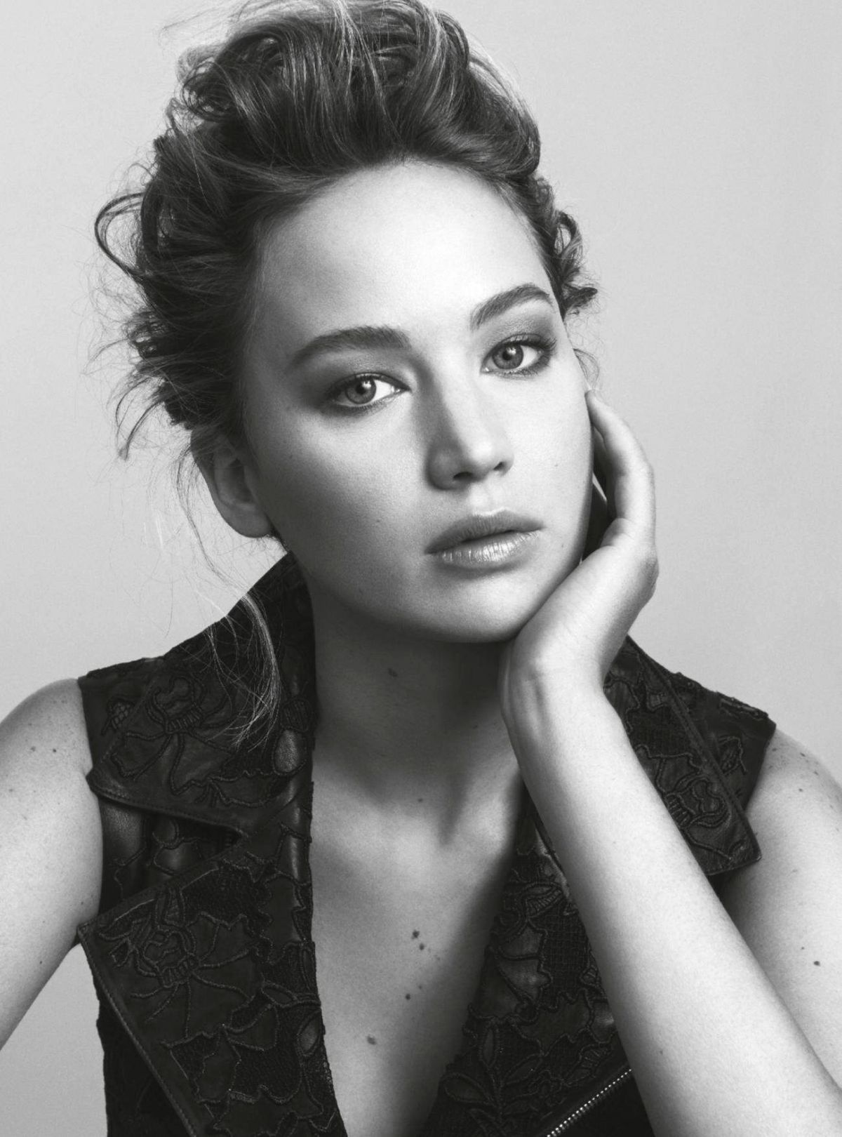 JENNIFER LAWRENCE in Marie Claire Magazine, Australia December 2015 Issue