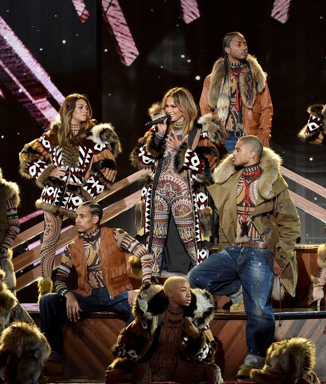 JENNIFER LOPEZ Performs at American Music Awards 2015 11