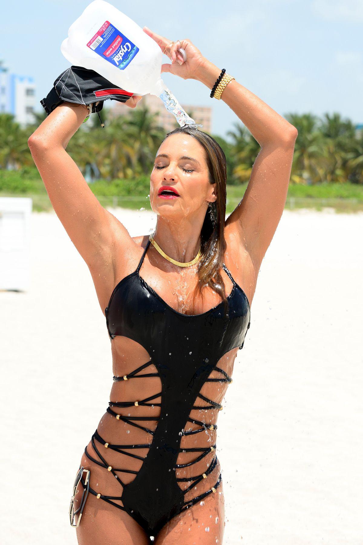 JENNIFER NICOLE LEE at a Beach in Miami 11/05/2015