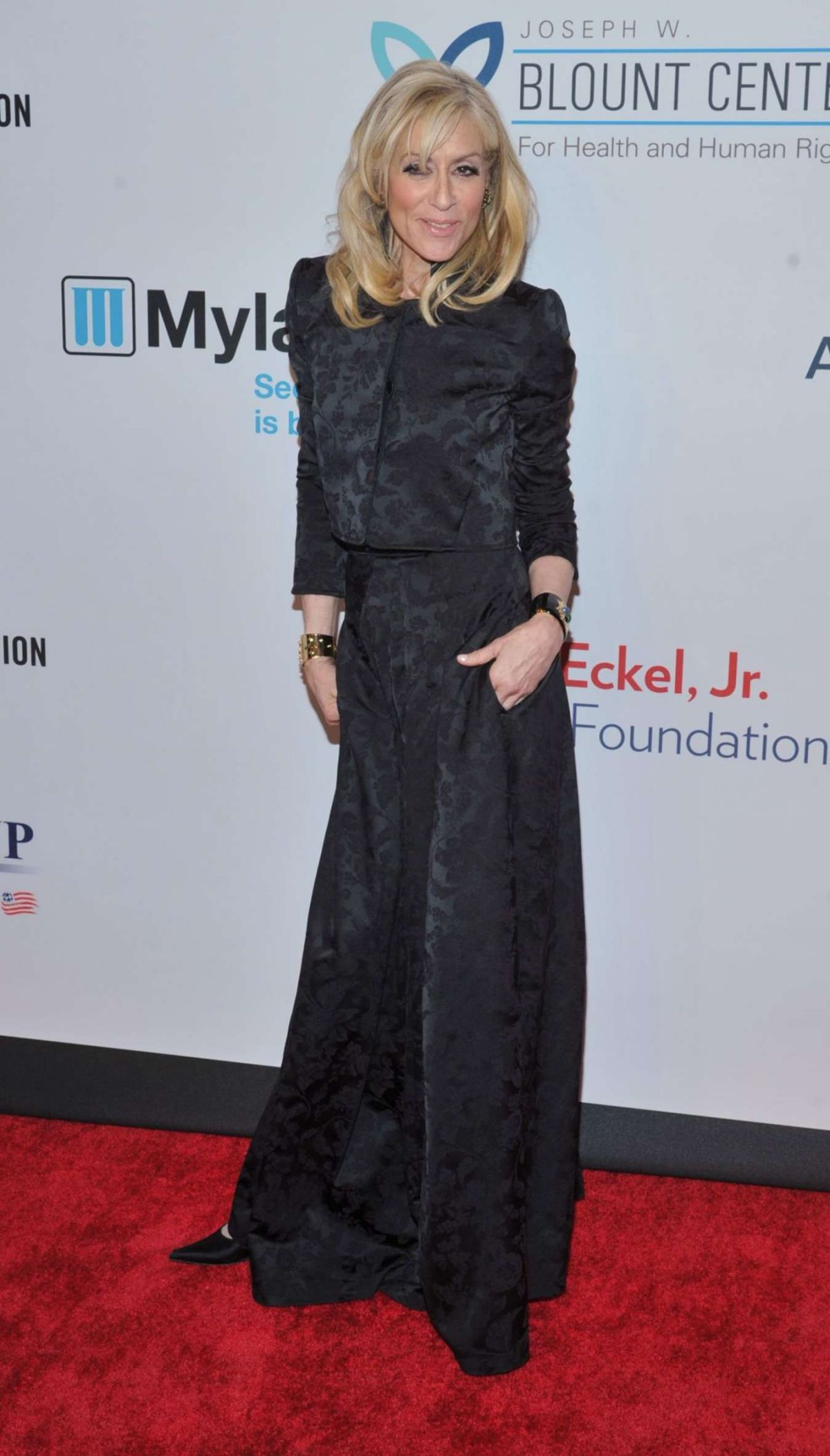 JUDITH LIGHT at Elton John Aids Foundation's 14th Annual An Enduring Vision Benefit in New York 11/02/2015