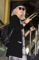 JULIANNE HOUGH at Washington Reagan National Airport in Washington 11/25/2015