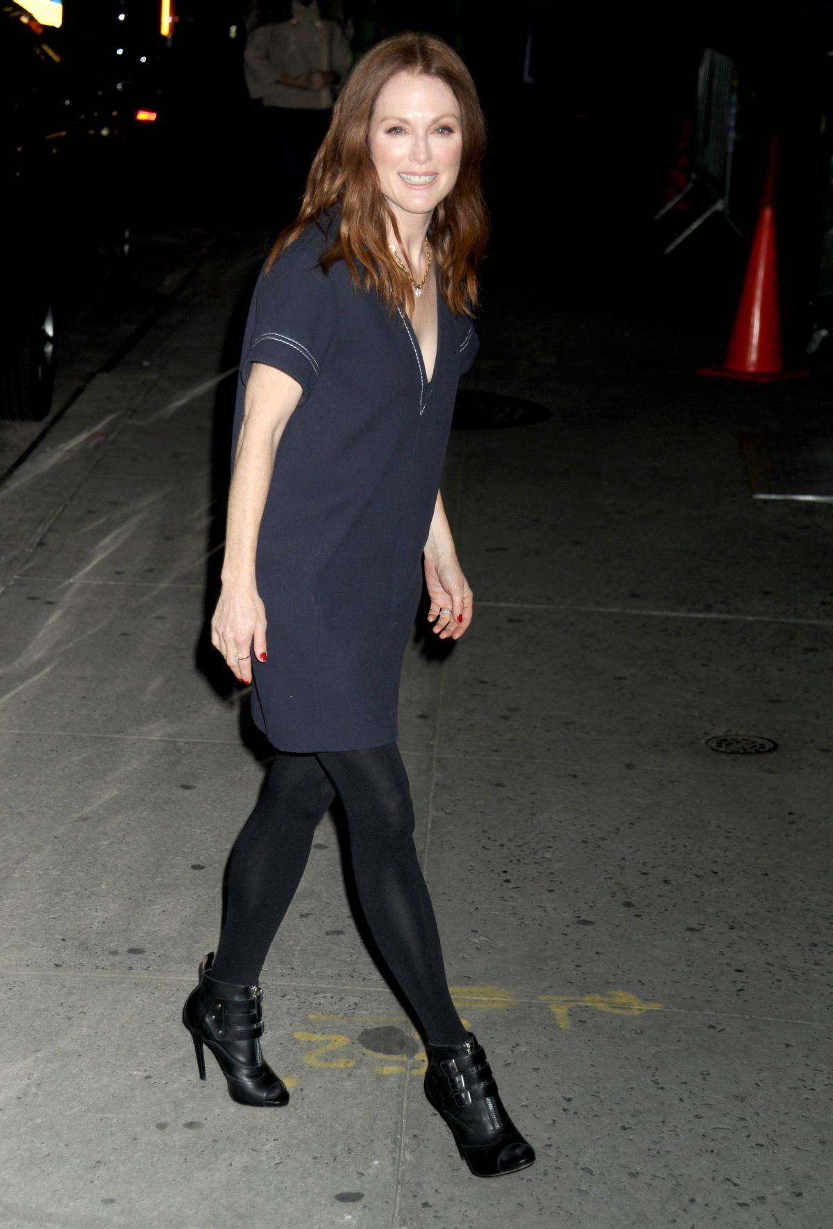 JULIANNE MOORE Arrives at The Late Show in New York 11/17/2015