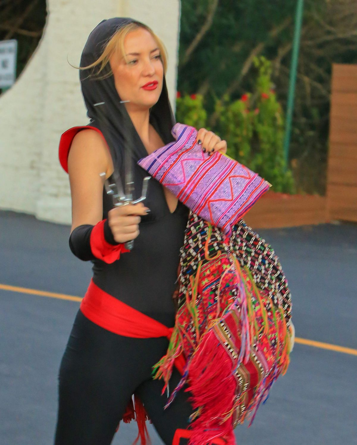 kate hudson arrives at a halloween party in malibu 10312015 - Halloween On The Hudson