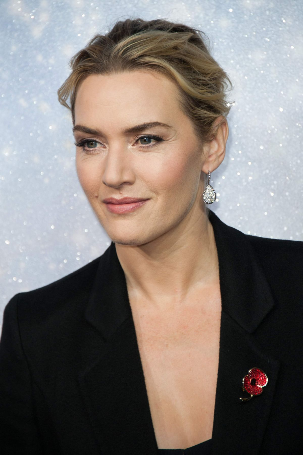 KATE WINSLET at Opening The Christmas Shopping Window 11 ... Kate Winslet