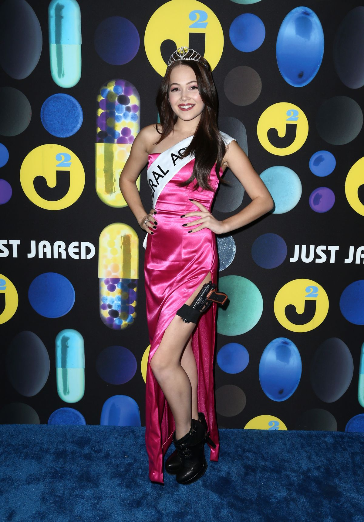 kelli berglund at just jared halloween party in hollywood 10312015 - Halloween Parties In Hollywood