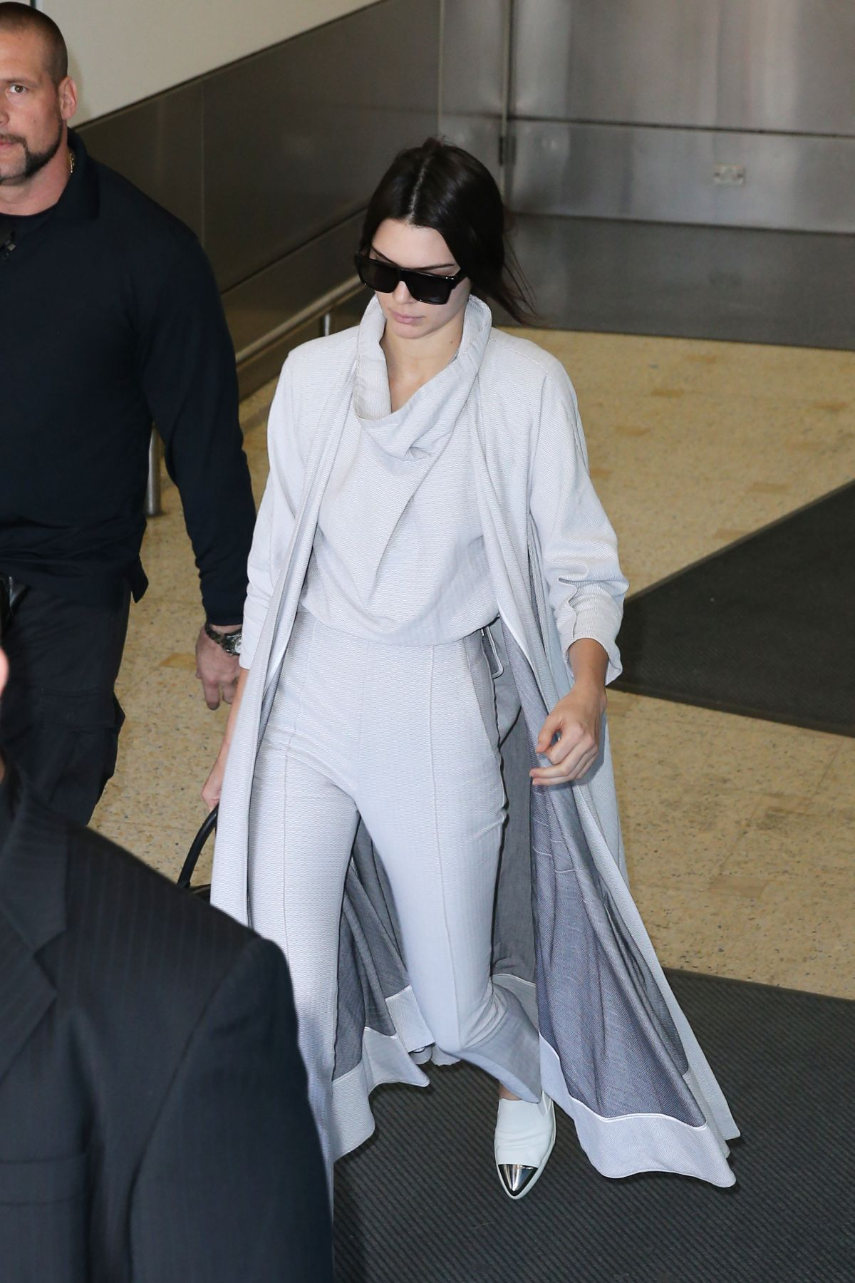 KENDALL JENNER Arrives at Airport in Sydney 11/17/2015