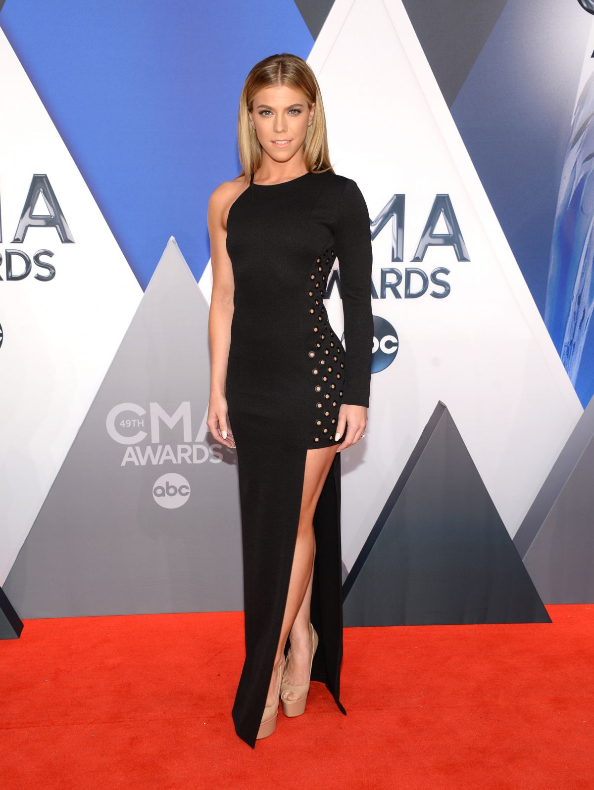 KIMBERLY PERRY at 49th Annual CMA Awards in Nashville 11/04/2015
