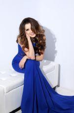 LAURA MARANO by Sherri Hill Teen Prom Photoshoot